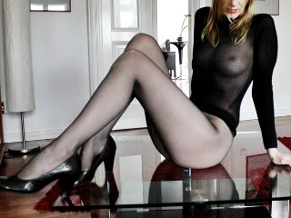 camgirl picture of nylonlady