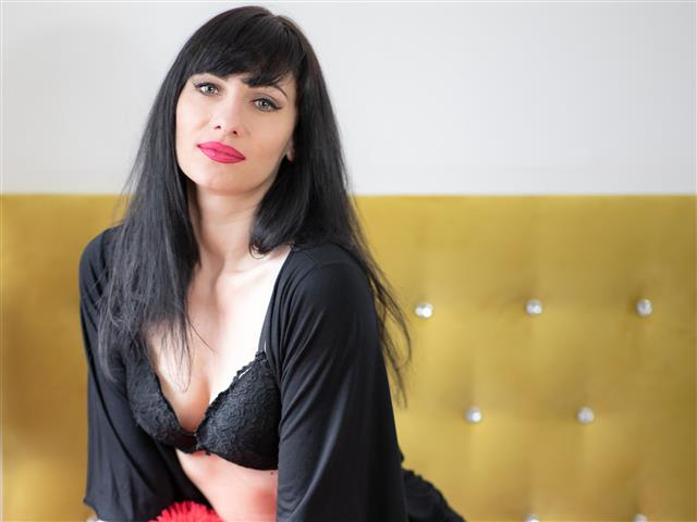 Bitcoin camgirl profile picture of IsabelXdesire
