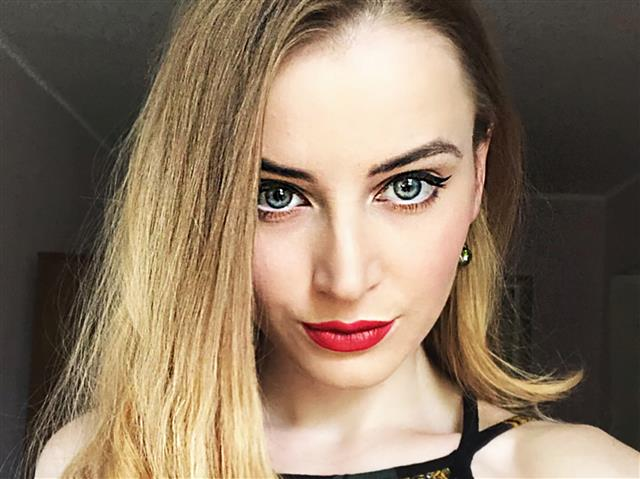 Bitcoin camgirl profile picture of Chelsey