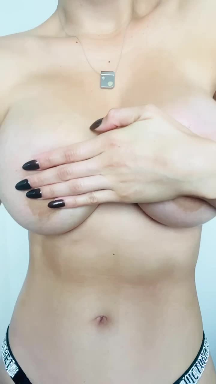 I want you dick between my tits