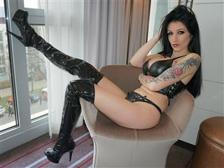 camgirl picture of MeliDeluxe