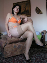 camgirl picture of LUCRECIA