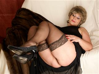 camgirl picture of LadyOver50