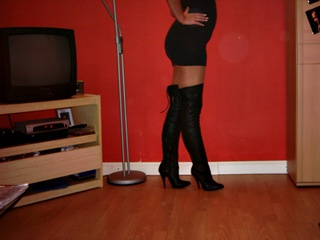 camgirl picture of HotCandy10