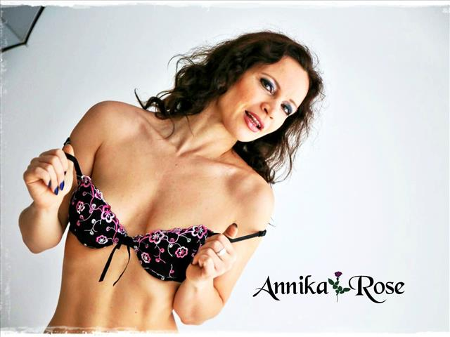 Bitcoin camgirl profile picture of AnnikaRose