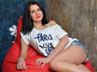 camgirl picture of Almirra19