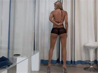 camgirl picture of IvyHotAss