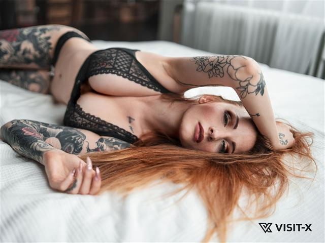 Bitcoin camgirl profile picture of LiahLou