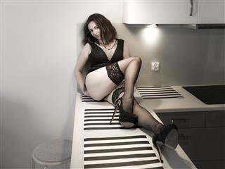 camgirl picture of eliseTraum