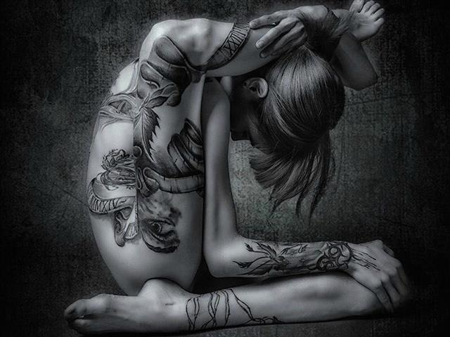 Bitcoin camgirl profile picture of Skinny-Sue-Tattoo
