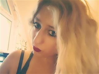 camgirl picture of Devot96