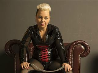 camgirl picture of Lady-Susan