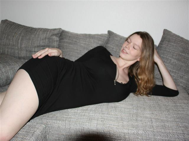 Bitcoin camgirl profile picture of LisaWilde95