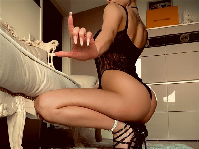 Bitcoin camgirl profile picture of Goddess Mel
