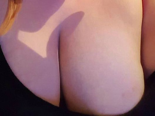 Bitcoin camgirl profile picture of LadyBigboobs