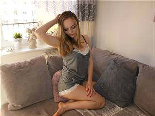 camgirl picture of Redlips21