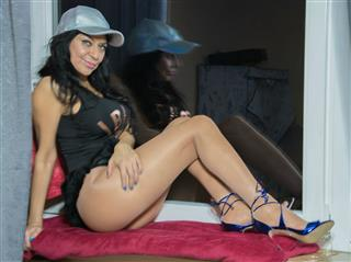 camgirl picture of SoniaLoveLatina