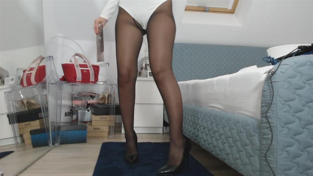 nylons therapy- ripping tights sound