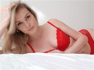 camgirl picture of AmberDoll