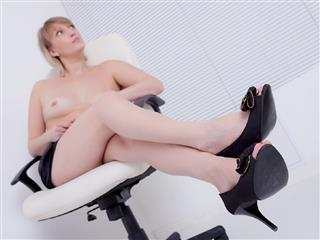 camgirl picture of NaughtyXAnna