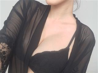 camgirl picture of SexyKatrin69